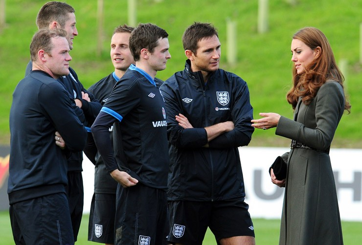 England players Adam Johnson and Frank Lampard talk with Kate Middleton